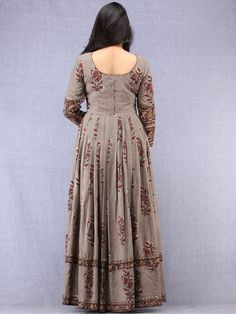 Plus Size & Luxury Designer Evening Dresses Long Dress Design, Stylish Dress Designs, Dress Neck Designs, Designs For Dresses, Stylish Dresses, Cotton Long Dress, Long Gown Dress, Cotton Dresses, Cotton Anarkali Dress