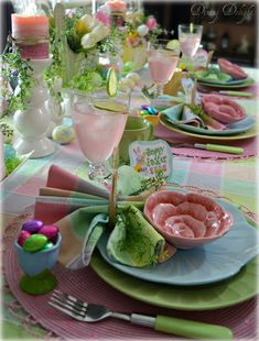 Amazing Bright And Colorful Easter Table Decoration Ideas & erstaunliche helle und bunte ostern-tischschmuck-ideen Amazing Bright And Colorful Easter Table Decoration Ideas & easter Snacks. Brunch Table Setting, Easter Table Settings, Easter Table Decorations, Decoration Table, Easter Decor, Easter Ideas, Easter Crafts, Easter Centerpiece, Bunny Crafts