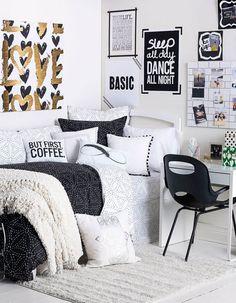 18 Ways To Make Your Dorm Room The Ultimate Hangout Spot | Dorm | College | Decor | Friends