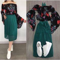 1-5 En çok hangi kombini sevdin ? 🌸.Tam bizlik dediğin arkadaşlarını posta etiketlemeyi unutma ❤ . -Keşfetten gelenler takip lütfen❤ @kizimsidusler #dress #etek #bluz #tshirt #kombin #elbise #kombin #moda #guzellik #sanat #fashion #instalike #nice