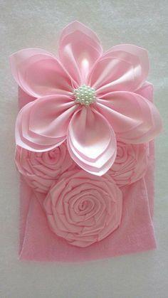 Discover thousands of images about by melissagarsia Satin Ribbon Flowers, Ribbon Art, Ribbon Hair Bows, Diy Ribbon, Fabric Ribbon, Ribbon Crafts, Flower Crafts, Diy Flowers, Flowers In Hair