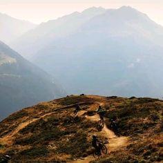 Die Heroes der Bikerepublik Sölden. Unsere Youngstars 😃 Area 47, Mountains, Nature, Travel, Boulder Landscape, Tourism, Bicycling, Road Trip Destinations, Tours
