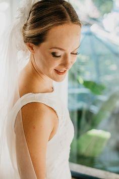 Natureza com mix de conforto para dizer SIM com pé na areia em Ilhabela – Ligia Mix, Makeup For Brides, Comforters, Nature, Engagement, Mariage