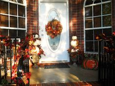 For three years or more I have been wanting to make pumpkin topiaries for my front porch.  I never did do it!!!  I would always end up putti...