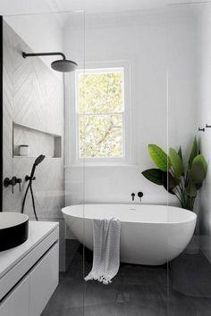 Surprising Modern Master Bathroom Decor Ideas - Page 11 of 35 Modern Master Bathroom, Modern Farmhouse Bathroom, Minimalist Bathroom, Simple Bathroom, Modern Bathroom Design, Bathroom Interior Design, Small Bathroom Bathtub, Small Bathrooms, Bathtub Shower