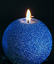 How to Decorate Candles With Glitter