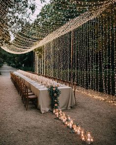 10 Tips to Throw Your Dream Backyard Wedding - Green Wedding Shoes. How to Plan Backyard Outdoor Party Wedding wedding party 10 Tips to Throw Your Dream Backyard Wedding - Green Wedding Shoes Wedding Goals, Chic Wedding, Perfect Wedding, Wedding Planning, Dream Wedding, Wedding Day, Wedding Rustic, Wedding Shoes, Wedding Trends