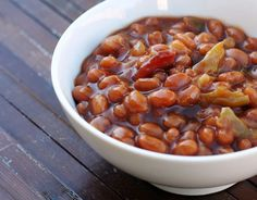 The best darn baked beans you ever did eat. Easy recipe to boot! Canned Baked Beans, Best Baked Beans, Baked Bean Recipes, Vegetable Recipes, Yummy Recipes, Recipies, Healthy Recipes, My Favorite Food, Favorite Recipes
