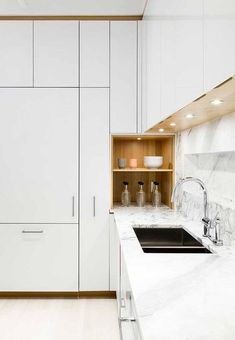 The Cube by Frame Design Lab : The kitchen was designed in collaboration with Henrybuilt. The laminate cabinets are paired with a marble countertop by SMC Stone. New Kitchen Designs, Kitchen Room Design, Kitchen Corner, Modern Kitchen Design, Interior Design Kitchen, Kitchen Decor, Stylish Kitchen, Kitchen Ideas, Laminate Cabinets