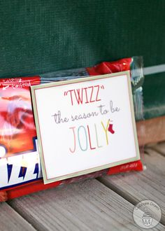 Twizzlers Holiday Neighbor Gift Idea with FREE Printable Tags | CupcakeDiariesBlog.com