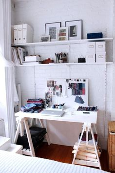 Small Space Solutions: The Smartest Ways to Stash Your Stuff — Apartment Therapy Video Roundup - Apartment Therapy Main Apartment Living, Apartment Therapy, Studio Apartment, Condo Living, Professional Organizing Tips, Graphic Design Studio, Small Space Solutions, Wall Mounted Shelves, Wall Shelving