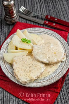 FRIPTURA DE PORC CU SOS DE MUSTAR Edith's Kitchen, Romanian Food, Romanian Recipes, Tasty, Yummy Food, Meat Recipes, Lamb, Fries, Food And Drink