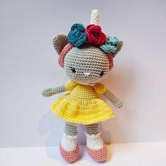 Barn, Crochet Hats, Design, Fashion, Knitting Hats, Moda, Converted Barn, Fashion Styles