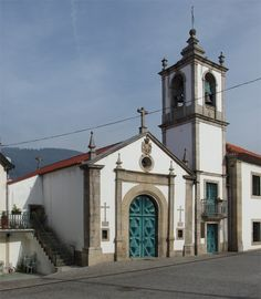 This very simple Chapel in Arouca has little verticality left – its walls, piers and trabeation seem to dance and wobble around its most prominent feature: the green entry door, with massive diamond-shaped protruding panels. A vernacular Baroque fantasy in granite and wood.  Capela da Misericórdia, Praça Brandão de Vasconcelos, Arouca