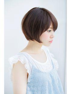 ラミエ(Ramie) 大人可愛い前下がりショートボブ2016 NAOMI Japanese Short Hair, Short Hair Cuts, Short Hair Styles, Haircut And Color, Bob Styles, Women Wear, Ladies Wear, Flower Girl Dresses, Hair Beauty