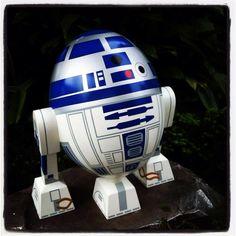 R2-D2 egg