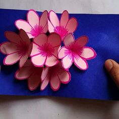 Pop Up Flower Cards, Pop Out Cards, Pop Up Greeting Cards, Pop Up Flowers, 3d Cards Handmade, Handmade Birthday Cards, Tarjetas Pop Up, Flower Making, Creations