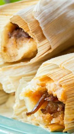 Mississippi Delta Hot Tamales _ Amazing Authentic Recipe … No Kidding ~! Mexican Dishes, Mexican Food Recipes, Snack Recipes, Cooking Recipes, Mexican Desserts, Dinner Recipes, Cooking Tips, Honduran Recipes, Mexican Menu