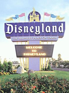 Disneyland sign -- I remember this sign!  I wish it were still there!!!