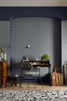 Bellflower wallpaper design by Morris.