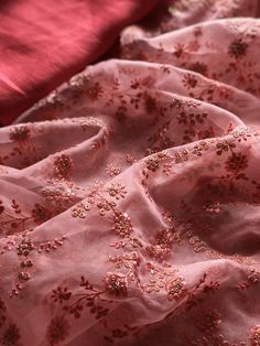 Discover thousands of images about Salmon pink Organza saree Organza Saree, Chiffon Saree, Cotton Frocks, Modern Saree, Embroidery Suits Design, Pink Lehenga, Bollywood Saree, Bollywood Fashion, Trendy Sarees
