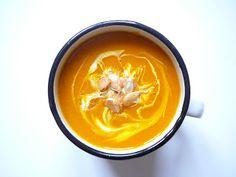 Delicious blog: Dýňová polévka s kari a kokosovým mlékem Delicious Blog, Thai Red Curry, Cantaloupe, Fruit, Ethnic Recipes, Soups, Drinks, Drinking, Beverages