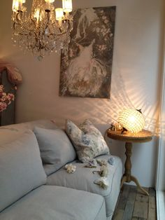 Rachel Ashwell Shabby chic Couture Store - Comfy sofa & Laurence Amelie painting