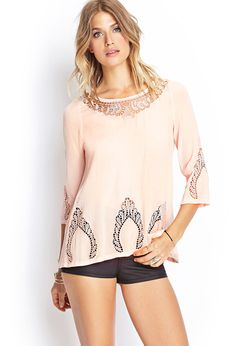 would be great with off white pants. Passion For Fashion, Love Fashion, Fashion Looks, Fashion Outfits, Material Girls, Crochet Tunic, Crochet Top, Off White Pants, Forever 21 Outfits