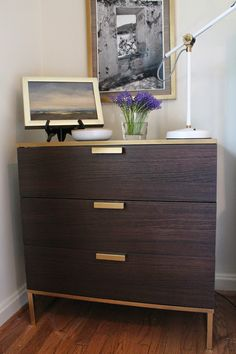 My Notting Hill: Ikea TRYSIL Hack & Favorite Gold Spray Paint