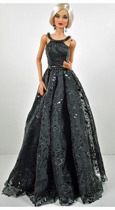 Home Depot Carpet Runners Vinyl Referral: 1611968346 Barbie Gowns, Doll Clothes Barbie, Vintage Barbie Dolls, Barbie Dress, Barbie Fashionista, Fashion Dolls, Fashion Dresses, Mode Glamour, Barbie Model