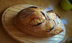 "Svatoštěpánský chléb s ""old dough"" My Favorite Food, Favorite Recipes, Sourdough Bread, Bread Rolls, Bread Baking, Bread Recipes, Crockpot, Food And Drink, Pizza"