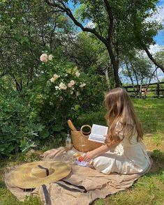 Spring Aesthetic, Nature Aesthetic, Aesthetic Photo, Aesthetic Girl, Aesthetic Pictures, Princess Aesthetic, Photos Tumblr, Summer Dream, Photo Instagram