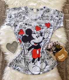 Disney Outfits, Disney Clothes, Wonder Woman, Christmas Stockings, Holiday Decor, Ladies T Shirts, Women's Blouses, Character, Block Prints