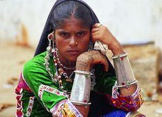 India | Young Rabari woman.  Gujarat | Photography courtesy of the PIME (National Museum of Peoples and Cultures)