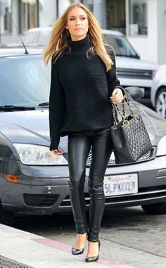 18 Trendy winter outfit styles and ideas for girls~ All Black~Leather Leggings