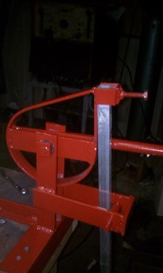 square tube bender, cost less than 25 dollars - WeldingWeb™ - Welding forum for pros and enthusiasts Metal Bending Tools, Metal Working Tools, Metal Tools, Welding Shop, Welding Table, Welding Gear, Metal Projects, Welding Projects, Metal Bender