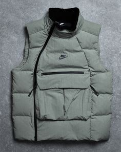 THIS NIKE SPORTSWEAR TECH PACK VEST IS A HIGH-SPEC CHILL BUSTER - The Drop Date Vest Outfits For Women, Dope Outfits For Guys, Clothes For Women, Nike Tech Jacket, Nike Nsw, Ropa Hip Hop, Nike Wear, Tech Pack, Outdoor Fashion