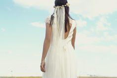 Robe Quitry soie et dentelle de Calais grand dos nu dentelle collection 2017 sur www.organse.com #organseparis #collection2017 #créatriceparis #robedemariéesurmesure #robedentelle #roberomantique #robebohème