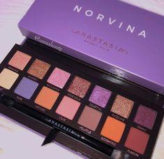 ♡ Anastasia Beverly Hills - Norvina Eyeshadow Palette From Sephora ♡(📷:Sannabeauty) Makeup Goals, Makeup Inspo, Makeup Inspiration, Skin Makeup, Makeup Brushes, Beauty Makeup, Makeup Set, Eyeshadow Dupes, Eyeshadow Palette
