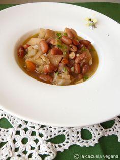 Alubias pintas estofadas con berza y verduras | La Cazuela Vegana