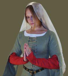 Medieval Clothing and Footwear- Linen Half Sleeves: http://www.revivalclothing.com/14th-15thcenturylinenhalfsleeve.aspx