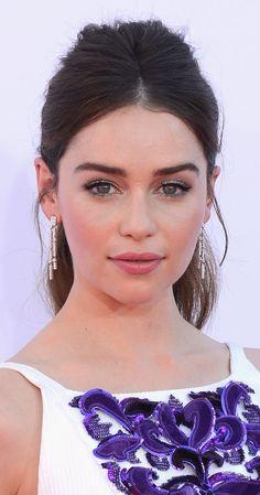 Emilia Clarke de castillo..! mi apellido pues ..!
