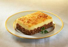 Une déclinaison du traditionnel hachi parmentier.... POUR 4 PERSONNES et 8 pp / personne 500G de pommes de terre 600g de chou fleur 300 ml de lait demi ecreme 2 CS de creme 15 % 70g de fromage rapé sel, muscade 1 oignon 350g de boeuf haché 5 % Eplucher...