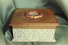 Vintage Victorian style box