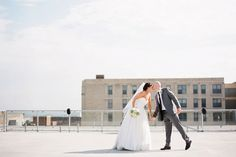 Minnesota Erin & Eric: A Gorgeous A'Bulae Wedding With Rooftop Photos