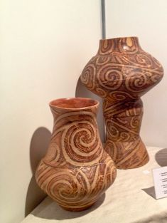 Cucuteni pottery Old Pottery, Ukrainian Art, Medieval Art, Antique Art, Ancient Art, Ceramic Art, Carving, Antiques, Spirals