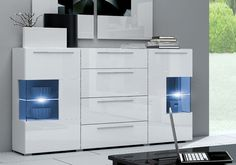 Aparador de línea moderna modelo Andrea en color blanco ideal para componer un…