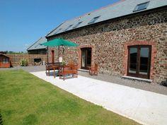 Barton Court, Barnstaple, Devon, England, Sleeps 10, Bedrooms 4, Self-Catering Holiday Cottage, Pet Friendly.
