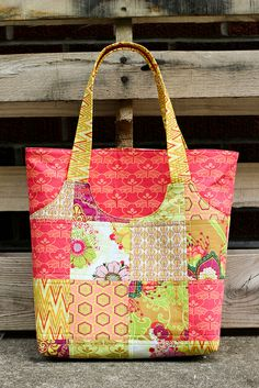 State Street Tote Pattern Review...link to pattern for sale