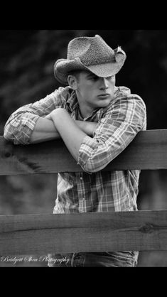 Senior pictures ideas for country guys -